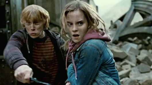 11film_harry_potter_deathly_hallows_2_rupert_grint_wand_emma_watson