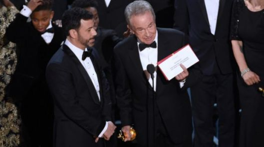 oscars-2017-mistake-host-jimmy-kimmel-roasts-night-saying-thank-god-denzel-washington-was-there-the-sydney-morning-herald-2